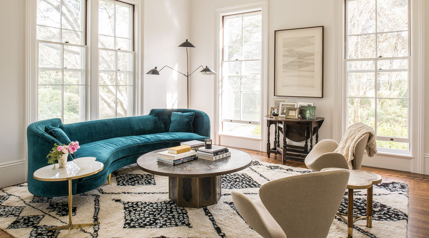 A living room that Martinez designed for a St. Helena, California, residence combining antique and midcentury pieces. DREW KELLY