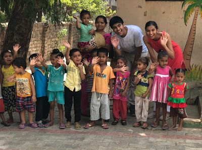 Mihir with the children of Ahmedabad.